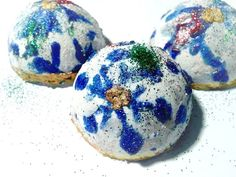 Christmas Ornament Apple Cider Bath Bomb by babyCornBathandBody