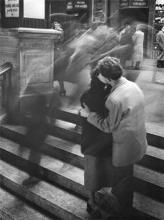 "eileenede: ""  Baiser Passage Versailles, by Robert Doisneau 1950 """