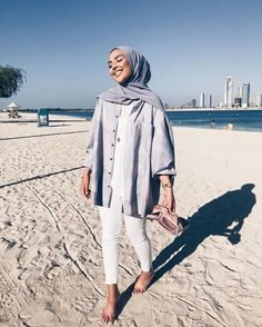 Trendy ideas for style hijab casual pantai Hijab Fashion Summer, Modern Hijab Fashion, Street Hijab Fashion, Hijab Fashion Inspiration, Muslim Fashion, Fashion Trends, Modest Fashion Hijab, Street Outfit, Hijab Casual