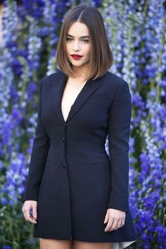 Emilia Clarke oozes sex appeal in plunging blazer dress at Dior PFW The Game Of Thrones actress played it safe in a plunging black blazer mini dress as she attended Dior's Paris Fashion Week Spring/Summer show at Louvre Palace on Friday. Christian Dior, Paris Fashion, Fashion Show, Dance Fashion, Femmes Les Plus Sexy, British Actresses, Blazer Dress, Coat Dress, Mode Outfits