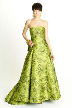 Photos provided by Oscar de la Renta. Description from fashiontographer.com. I…