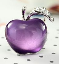 Purple Glass Apple ~ Perfume Bottle ღ✟ Purple Love, Purple Glass, All Things Purple, Shades Of Purple, Purple Stuff, Purple Art, Glas Art, Beautiful Perfume, Purple Aesthetic