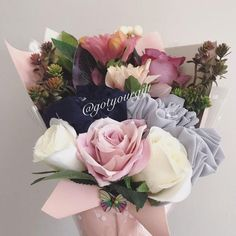 Bouquet Cadeau, Palette Pastel, Scarf Packaging, Ad Photography, Hijabs, Rose Bouquet, Spring, Special Gifts, Floral Arrangements