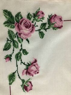 This Pin was discovered by Şen Cross Stitch Rose, Cross Stitch Borders, Cross Stitch Flowers, Cross Stitch Designs, Cross Stitching, Cross Patterns, Counted Cross Stitch Patterns, Cross Stitch Embroidery, Hand Embroidery