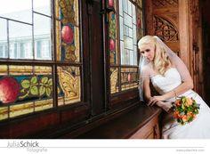 Julia Schick Fotografie - Helen & David, Wedding, Bad Bentheim, stained glass, bride