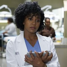 Pin for Later: 14 Actors Who've Been on Both Grey's Anatomy and Scandal Jerrika Hinton on Grey's Anatomy Greys Anatomy Episodes, Grays Anatomy Tv, Greys Anatomy Characters, Stephanie Gray, Stephanie Edwards, Tom Holland, Grey's Anatomy Season 13, Grey's Anatomy Tv Show, Lexie Grey