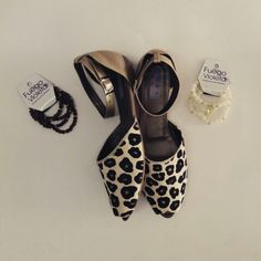 Zapatos en puro cuero. Los fabricamos en el color que prefieras