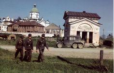 1941, Russie, Novgorod, Soldats allemands dans la ville