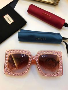 057aa01f1de Limited edition sunglasses sparkling diamond design square frame popular  protection sunglasses top fashion summer style