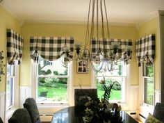 Love these curtains! - black and cream buffalo check curtains and pale butter yellow walls in breakfast room Kitchen Valence, Kitchen Walls, Kitchen Chairs, Kitchen Flooring, Laminate Flooring, Valences For Windows, Bay Windows, Buffalo Check Curtains, Buffalo Plaid Curtains