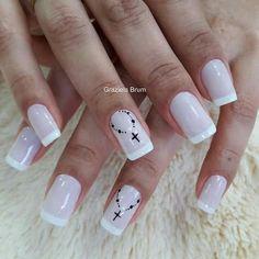 New Nails Art Verano Maquillaje Ideas Cross Nail Designs, Acrylic Nail Designs, Nail Art Designs, Nail Manicure, Diy Nails, Square Oval Nails, Cross Nails, Almond Acrylic Nails, Nail Decorations