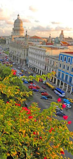 Views over El Capitolio, Havana: http://bbqboy.net/photos-and-travel-tips-on-havana-cuba/