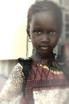 Senegalese girl: Senegalese beauty is in the eyes