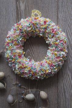 Fabric rag wreath tutorial decor pinterest fabric wreath fabric wreath craft a simple spring project using fabric scraps solutioingenieria Gallery