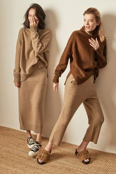 BELIARST Autumn and Winter New Cashmere Sweater Women's High-Necked Pullover Loose Thick Sweater Short Paragraph Knit Shirt Thick Sweaters, Cool Sweaters, Cashmere Sweaters, Sweaters For Women, Cashmere Wool, Sweater And Shorts, Knit Shirt, Mode Outfits, Fashion Outfits