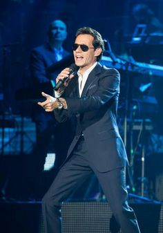 Marc Anthony....one of the best singers ever luv him