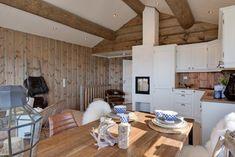Bilderesultat for simpelt hytte interiør Decor, Furniture, Dining, Dining Table, Table, Home Decor