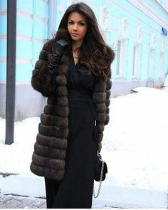 Women from Ukraine and Russia are looking for good, honest and reliable men like you! Gloves Fashion, Fur Fashion, Couture Fashion, Womens Fashion, Style Fashion, Chinchilla, Stunning Brunette, Black Leather Gloves, Fabulous Furs
