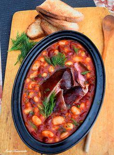 Fasole cu ciolan afumat – IONEL TARNOVESKI Romanian Food, Chana Masala, Foodies, Food And Drink, Menu, Ethnic Recipes, Martha Stewart, Pork, Fine Dining