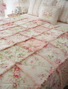 Hi ladies, thought I'd show you what I've been up to. Finished the raggy ruffle quilt that was a customer order. It's an all roses quilt f...