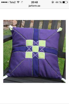 Cushion in swedish patchwork -skarvsöm.