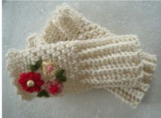 crochet fingerless gloves with embroidery