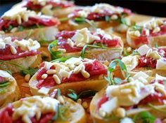 Bruschetta, Good Food, Fun Food, Pasta Salad, Potato Salad, Ethnic Recipes, Drinks, Christmas, Crab Pasta Salad