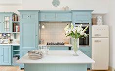 Gorgeous Robins Egg Blue Kitchen Ideas For Beautiful Kitchen Color Schemes Design Blog, Home Design Decor, Interior Design, Duck Egg Blue Kitchen, Green Bedroom Paint, Neptune Kitchen, Blue White Kitchens, Colorful Kitchens, Blue Kitchen Cabinets