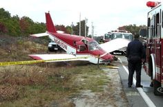 Airline and Military Aircraft Mishap Crash and Accident Pictures and Images Airplanes & Flight. Venus, Aviation Accidents, Piper Aircraft, Aircraft Parts, Landing Gear, Civil Aviation, Military Aircraft, Photos, Pictures
