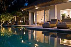 Salida dormitorios http://villasungai.blogspot.com.au/2013/05/special-guest-captures-beauty-of-villa.html