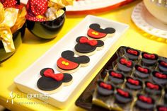 Mickey + Minnie Mouse themed birthday party via Kara's Party Ideas KarasPartyIdeas.com Party supplies, recipes, tutorials, favors, food, banners, and more! #MickeyMouse #MinnieMouse #mickeymouseparty #minniemouseparty #mickeymousepartysupplies #mickeymousepartyideas #partydesign #partyplanning (8)