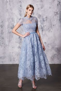 Marchesa Notte Resort 2018 Fashion Show Collection: See the complete Marchesa Notte Resort 2018 collection. Look 15 Style Couture, Couture Fashion, Runway Fashion, Outfits Tipps, Lace Dress, Dress Up, Buy Dress, Groom Dress, Fashion Show Collection