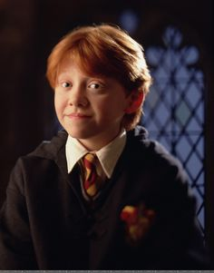 Ron Weasley / Rupert Grint in Harry Potter and the Philosopher's Stone Harry Potter Ron, First Harry Potter, Mundo Harry Potter, Harry Potter Pictures, Harry Potter Characters, Harry Potter Universal, Ron Weasley, Must Be A Weasley, Familia Weasley