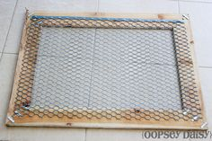 DIY chicken wire frame_chicken wire - use clothespins to attach photos recipes seed packets. Chicken Wire Crafts, Chicken Wire Frame, Frame Crafts, Diy Frame, Wedding Picture Walls, Wedding Wall, Wedding Props, Diy Wedding, Wire Picture Frames