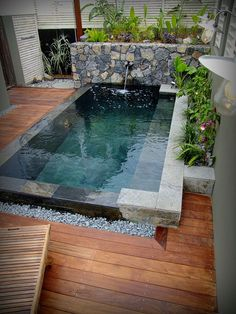 16 Best Creative Small Swimming Pool Design For Backyard Inspiration 7 If you are too often at home sometimes very boring, you want to get out but the feeling of laziness Small Swimming Pools, Small Backyard Pools, Backyard Pool Landscaping, Backyard Pool Designs, Small Pools, Swimming Pools Backyard, Pool Spa, Swimming Pool Designs, Landscaping Ideas