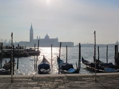 A romantic hideout with terrace in an arty area of Venice. New and old combine in this cosy apartment, with incredible lagoon views nearby - www.sawdays.co.uk/italy/veneto/venice/ca-masena