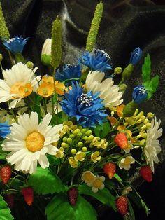 Купить букет Полевые цветы - ромашки, васильки, полевые цветы, земляника, цветы из ткани