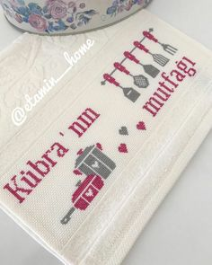 Hand Embroidery Videos, Baby Knitting Patterns, Diy And Crafts, Household Items, Dish Towels, Cross Stitch Embroidery, Towels, Cross Stitch Kitchen, Cross Stitch Designs