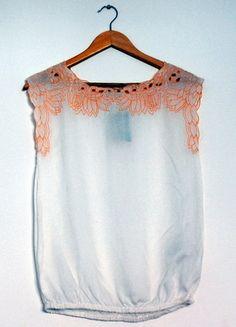 Kup mój przedmiot na #vintedpl http://www.vinted.pl/damska-odziez/bluzki-bez-rekawow/8373650-pullbear-biala-bluzka-z-haftem