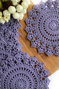 Crochet placemats, doilies and coasters by SweethomeByLulu Free Crochet Doily Patterns, Crochet Coaster Pattern, Crochet Placemats, Lace Doilies, Crochet Doilies, Crochet Flowers, Doily Rug, Crochet Crafts, Crochet Projects