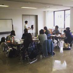 今日の東京での講習は、7つものスタイルをカットしました✂︎ GPSをつかってボブ〜ロングスタイルを、ANGを使ってショートスタイルを!✂︎✂︎ 幅広いスタイルが作れて、充実しました!皆様今日もお疲れ様でした😊 体験講座コース近々開催します!是非ご参加ください! #日本カットアカデミー #カット講習 #カットスクール #カットセミナー #カット練習 #美容師 #美容師の休日 #理容師 #理容師の休日 #カット講習東京 #大阪カット講習 #名古屋カット講習 #福岡カット講習 Conference Room, Table, Furniture, Home Decor, Decoration Home, Room Decor, Tables, Home Furnishings, Home Interior Design