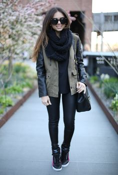Para el invierno, skinny pant, zapatillas y chaqueta