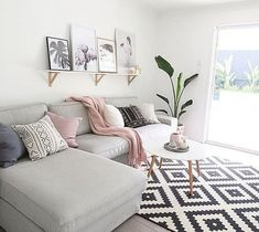 My home living room vallentuna couch by ikea with pillows by westwing now mehr auf jacks - Wohnzimmer pflanze groay ...