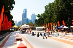 The Oval returns to the Benjamin Franklin Parkway for another season. In addition to programming throughout the summer and fall, the beer garden at The Oval returns to the pop-up park, too. (Photo by M. Fischetti for Visit Philadelphia)