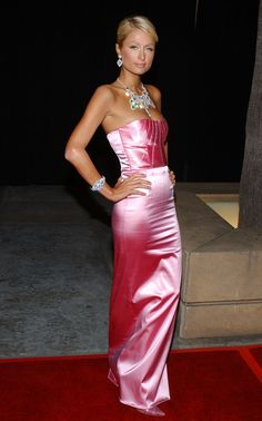 View forum - Celebs In Satin Dresses Pink Satin Dress, Satin Gown, Satin Skirt, Satin Dresses, Tight Dresses, Strapless Dress Formal, Silk Satin, Long Dresses, Dress Long