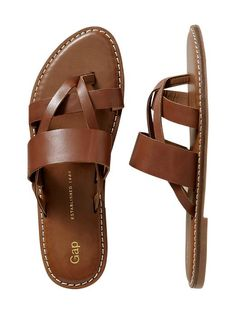 brown leather flip flops | gap  I want these now...I'll order them! Too cute