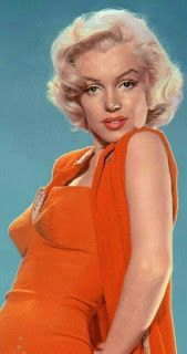 Marilyn Monroe in a publicity photo for How to marry a Millionaire, photo shot by Bert Reisfeld. Marilyn Monroe Kunst, Estilo Marilyn Monroe, Marilyn Monroe Artwork, Marilyn Monroe Quotes, Classic Hollywood, Old Hollywood, Hollywood Actresses, Gentlemen Prefer Blondes, Foto Art