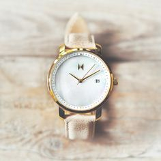 The Rose Gold Pearl watch is just one of many styles in our women's watch collection. With free shipping worldwide you could up your style in just a few days by ordering now. Live the life, join the MVMT at mvmtwatches.com