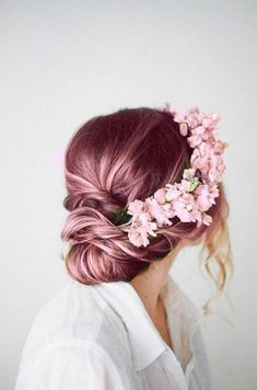 40 Disney Look Rose Gold Hair Color Ideas - Stylishwife Spring Hairstyles, Wedding Hairstyles, Quick Hairstyles, Scene Hairstyles, Quinceanera Hairstyles, Medium Hairstyles, Wedding Updo, Wedding Makeup, Elegant Wedding