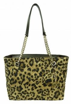 Michael Kors Handbags are hugely popular with celebrities. Do you want a new handbag that is great for every day use as well as a fashion handbag...